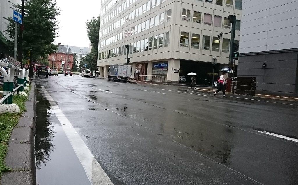 札幌市内にも大きな水たまりが