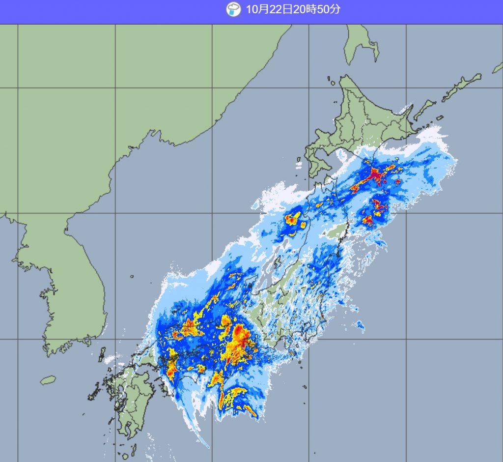 台風本体の激しい雨を降らせる雲が近畿地方に(気象庁WEBサイトより引用)
